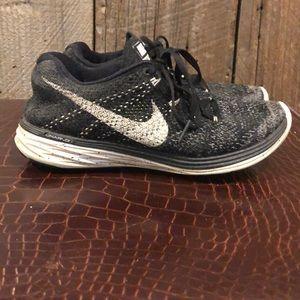 Nike Flyinit Lunar 3 running shoes